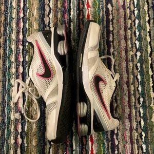 🔥🌟 Nike Shoxx Sneakers